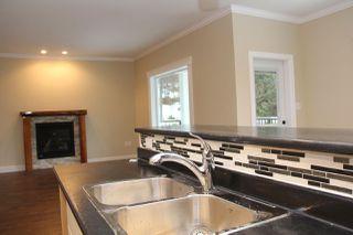 Photo 5: 65917 PINE Crescent in Hope: Hope Kawkawa Lake House for sale : MLS®# R2166758