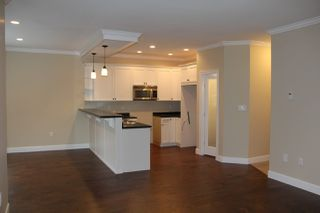 Photo 3: 65917 PINE Crescent in Hope: Hope Kawkawa Lake House for sale : MLS®# R2166758