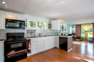 "Photo 11: 68 1413 SUNSHINE COAST Highway in Gibsons: Gibsons & Area Manufactured Home for sale in ""THE POPLARS"" (Sunshine Coast)  : MLS®# R2172133"