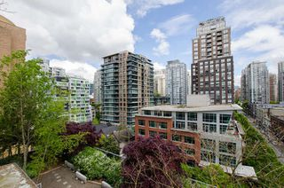 "Photo 15: 305 1133 HOMER Street in Vancouver: Yaletown Condo for sale in ""H&H"" (Vancouver West)  : MLS®# R2183596"