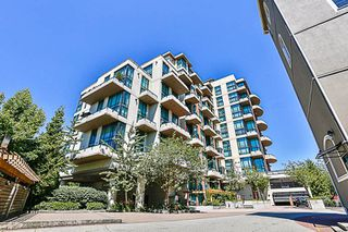 "Photo 1: 324 10 RENAISSANCE Square in New Westminster: Quay Condo for sale in ""MURANO LOFTS"" : MLS®# R2186275"