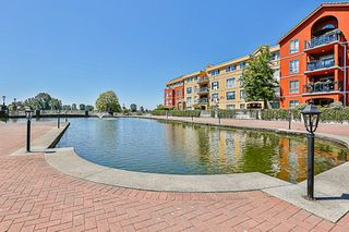 "Photo 17: 324 10 RENAISSANCE Square in New Westminster: Quay Condo for sale in ""MURANO LOFTS"" : MLS®# R2186275"