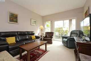 Photo 3: 105 1485 Garnet Rd in VICTORIA: SE Cedar Hill Condo Apartment for sale (Saanich East)  : MLS®# 768684