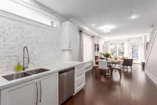 """Photo 8: 331 E 7TH Avenue in Vancouver: Mount Pleasant VE Townhouse for sale in """"ESSENCE"""" (Vancouver East)  : MLS®# R2201974"""