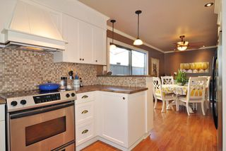 "Photo 9: 1129 CORNWALL Drive in Port Coquitlam: Lincoln Park PQ House for sale in ""LINCOLN PARK"" : MLS®# R2205146"