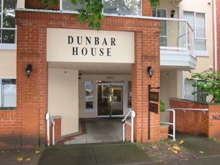 "Photo 2: 303 3621 W 26TH Avenue in Vancouver: Dunbar Condo for sale in ""DUNBAR HOUSE"" (Vancouver West)  : MLS®# R2214575"