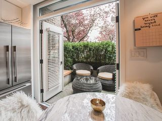 """Photo 3: 1608 CYPRESS Street in Vancouver: Kitsilano Townhouse for sale in """"YORKVILLE NORTH"""" (Vancouver West)  : MLS®# R2222005"""