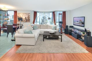 "Photo 3: 301 789 JERVIS Street in Vancouver: West End VW Condo for sale in ""JERVIS COURT"" (Vancouver West)  : MLS®# R2236913"