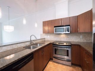 "Photo 5: 411 2632 PAULINE Street in Abbotsford: Central Abbotsford Condo for sale in ""Yale Crossing"" : MLS®# R2237258"