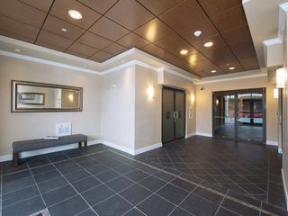"Photo 2: 411 2632 PAULINE Street in Abbotsford: Central Abbotsford Condo for sale in ""Yale Crossing"" : MLS®# R2237258"