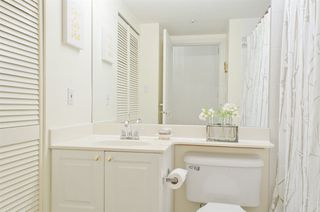 """Photo 10: 410 1035 AUCKLAND Street in New Westminster: Uptown NW Condo for sale in """"QUEEN'S TERRACE"""" : MLS®# R2241967"""