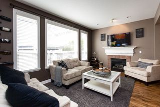 Photo 2: 6777 193B Street in Surrey: Clayton House for sale (Cloverdale)  : MLS®# R2253118