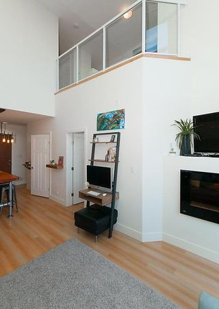 Photo 7: 405 2250 COMMERCIAL Drive in Vancouver: Grandview VE Condo for sale (Vancouver East)  : MLS®# R2115074