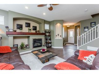 Photo 3: 21143 82A Avenue in Langley: Willoughby Heights House for sale : MLS®# R2264575