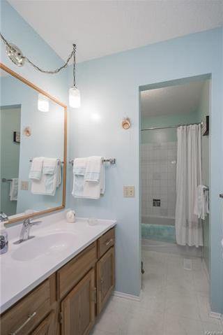 Photo 14: 57 Meadow Lake Drive in Winnipeg: Lakeside Meadows Residential for sale (3K)  : MLS®# 1815057