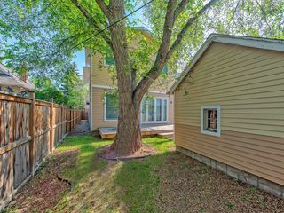 Photo 5: 111 7 Street NW in Calgary: Sunnyside Detached for sale : MLS®# C4189652