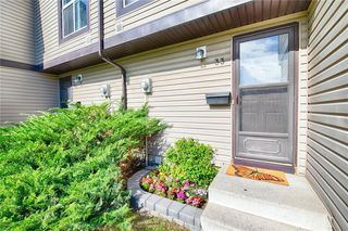 Photo 3: 33 3029 RUNDLESON Road NE in Calgary: Rundle Row/Townhouse for sale : MLS®# C4192405
