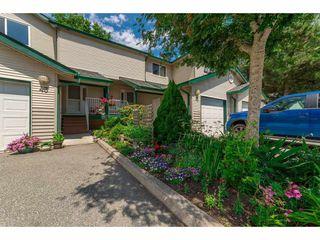 "Photo 2: 43 39920 GOVERNMENT Road in Squamish: Garibaldi Estates Townhouse for sale in ""SHANNON ESTATES"" : MLS®# R2283291"