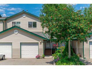 "Photo 1: 43 39920 GOVERNMENT Road in Squamish: Garibaldi Estates Townhouse for sale in ""SHANNON ESTATES"" : MLS®# R2283291"