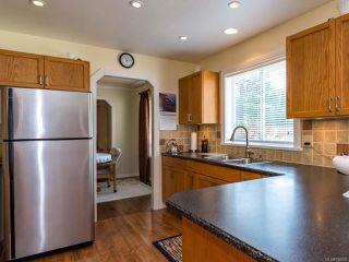 Photo 3: 960 Eastwicke Cres in COMOX: CV Comox (Town of) House for sale (Comox Valley)  : MLS®# 794506