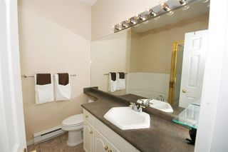 """Photo 10: 409 3176 PLATEAU Boulevard in Coquitlam: Westwood Plateau Condo for sale in """"TUSCANY"""" : MLS®# R2295301"""
