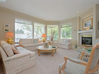 Photo 2: 20 5187 Cordova Bay Road in VICTORIA: SE Cordova Bay Townhouse for sale (Saanich East)  : MLS®# 398032