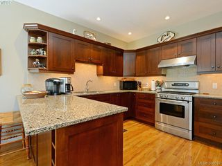 Photo 9: 20 5187 Cordova Bay Road in VICTORIA: SE Cordova Bay Townhouse for sale (Saanich East)  : MLS®# 398032