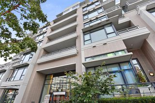"Photo 1: 611 2788 PRINCE EDWARD Street in Vancouver: Mount Pleasant VE Condo for sale in ""UPTOWN"" (Vancouver East)  : MLS®# R2312939"