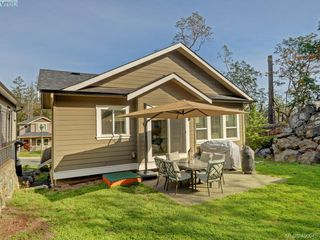 Photo 19: 2351 Chilco Road in VICTORIA: VR Six Mile Single Family Detached for sale (View Royal)  : MLS®# 400945
