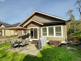 Photo 18: 2351 Chilco Road in VICTORIA: VR Six Mile Single Family Detached for sale (View Royal)  : MLS®# 400945