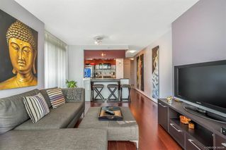 Photo 4: 506 1067 MARINASIDE Crescent in Vancouver: Yaletown Condo for sale (Vancouver West)  : MLS®# R2321254