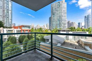 Photo 13: 506 1067 MARINASIDE Crescent in Vancouver: Yaletown Condo for sale (Vancouver West)  : MLS®# R2321254