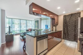 Photo 10: 506 1067 MARINASIDE Crescent in Vancouver: Yaletown Condo for sale (Vancouver West)  : MLS®# R2321254