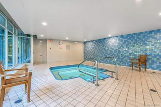 Photo 16: 506 1067 MARINASIDE Crescent in Vancouver: Yaletown Condo for sale (Vancouver West)  : MLS®# R2321254