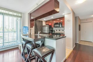 Photo 8: 506 1067 MARINASIDE Crescent in Vancouver: Yaletown Condo for sale (Vancouver West)  : MLS®# R2321254