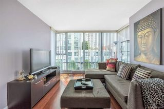 Photo 6: 506 1067 MARINASIDE Crescent in Vancouver: Yaletown Condo for sale (Vancouver West)  : MLS®# R2321254