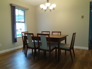 """Photo 6: 45 6537 138 Street in Surrey: East Newton Townhouse for sale in """"CHARLESTON GREEN"""" : MLS®# R2325930"""
