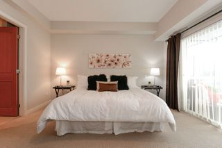 "Photo 9: 404 6480 194 Street in Surrey: Clayton Condo for sale in ""WATERSTONE - ESPLANADE"" (Cloverdale)  : MLS®# R2330843"