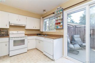 Photo 11: 2917 Pickford Road in VICTORIA: Co Colwood Lake Single Family Detached for sale (Colwood)  : MLS®# 406227