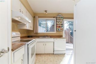 Photo 12: 2917 Pickford Road in VICTORIA: Co Colwood Lake Single Family Detached for sale (Colwood)  : MLS®# 406227