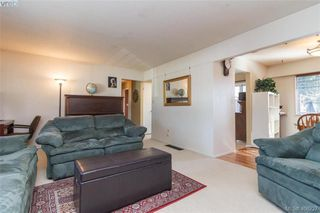 Photo 7: 2917 Pickford Road in VICTORIA: Co Colwood Lake Single Family Detached for sale (Colwood)  : MLS®# 406227