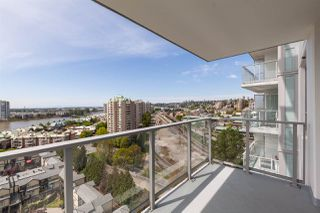 """Photo 14: 1411 988 QUAYSIDE Drive in New Westminster: Quay Condo for sale in """"Riversky 2"""" : MLS®# R2366970"""
