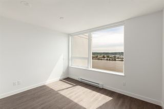 """Photo 8: 1411 988 QUAYSIDE Drive in New Westminster: Quay Condo for sale in """"Riversky 2"""" : MLS®# R2366970"""