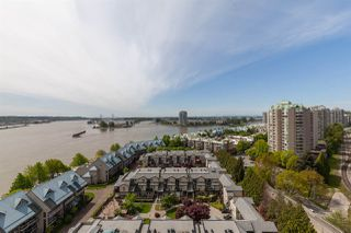 """Photo 15: 1411 988 QUAYSIDE Drive in New Westminster: Quay Condo for sale in """"Riversky 2"""" : MLS®# R2366970"""