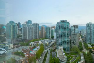 Photo 3: 2503 198 AQUARIUS Mews in Vancouver: Yaletown Condo for sale (Vancouver West)  : MLS®# R2370318