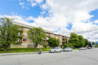 """Main Photo: 204 9282 HAZEL Street in Chilliwack: Chilliwack E Young-Yale Condo for sale in """"Hazelwood Manor"""" : MLS®# R2371589"""