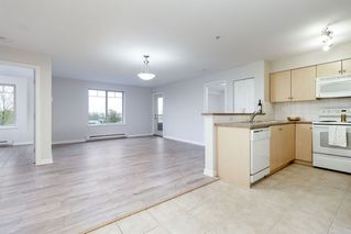 "Photo 5: 3214 240 SHERBROOKE Street in New Westminster: Sapperton Condo for sale in ""COPPERSTONE"" : MLS®# R2373575"