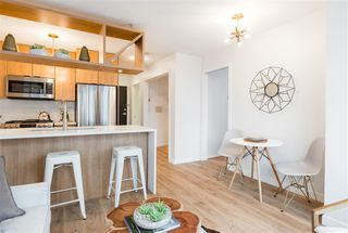 """Photo 8: 1805 1001 RICHARDS Street in Vancouver: Downtown VW Condo for sale in """"Miro"""" (Vancouver West)  : MLS®# R2378633"""