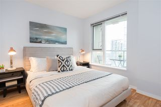 """Photo 13: 1805 1001 RICHARDS Street in Vancouver: Downtown VW Condo for sale in """"Miro"""" (Vancouver West)  : MLS®# R2378633"""