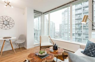 """Photo 6: 1805 1001 RICHARDS Street in Vancouver: Downtown VW Condo for sale in """"Miro"""" (Vancouver West)  : MLS®# R2378633"""